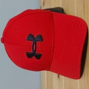 Under armour red hat sz M-L